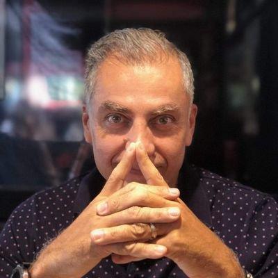 Richard Schiffer hypnotiseur de Spectacle pour vos spectacles d'hypnose en France et à l'Etranger